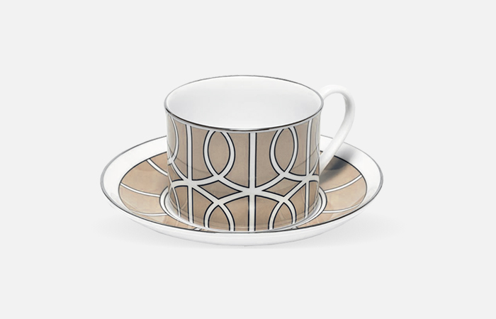 Loop tea cup & saucer (truffle)