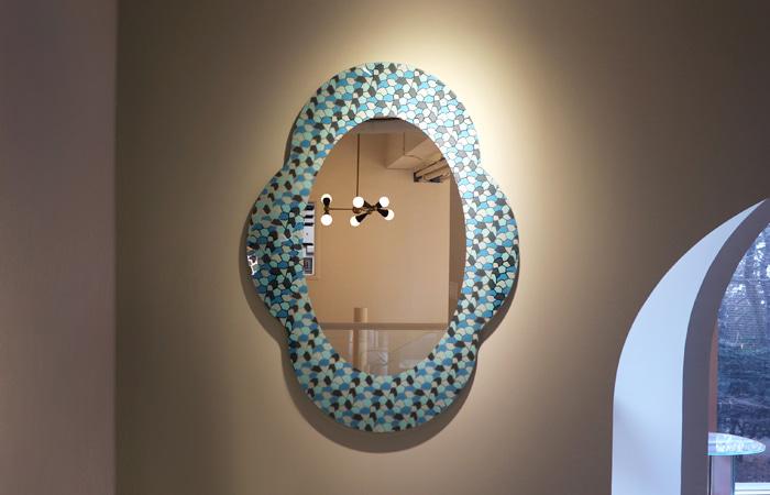 Settecento wall-mounted mirror