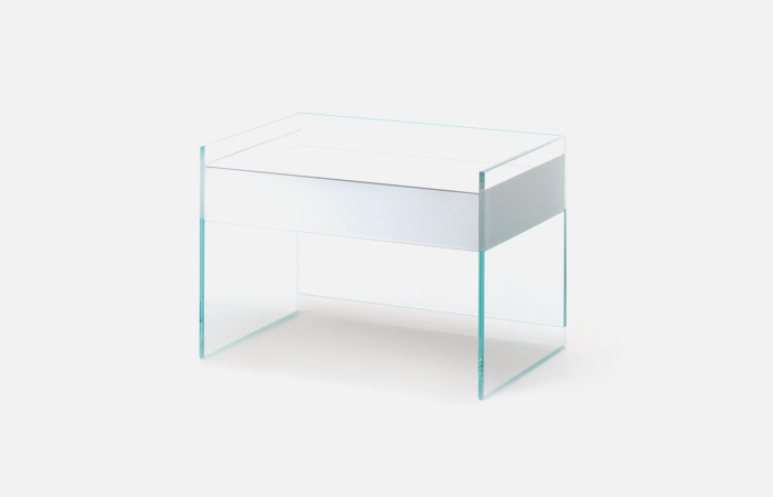 Float bedside table